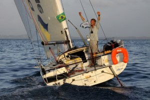 615-409-091022014918-arriveetransat650_thomasruyant8-copie